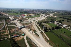 Milano: cantiere ''Arco Teem''