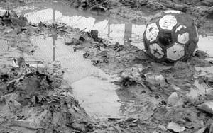 sport_calcio_italiano_pallone_sgonfio[1]