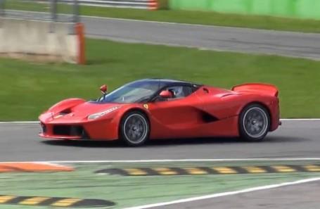 Ferrari-LaFerrari-XX-test-a-Monza-e1405070727165[1]