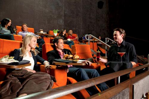 cinema-ristorante-1300x867[1]
