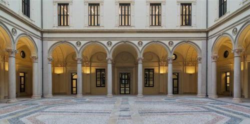 cortile-Palazzo-Turati[1]
