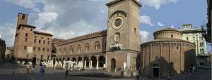 Piazza delle Erbe, a Mantova.  Mantova è la Capitale italiana della cultura 2016. Ad annunciarlo, al termine dei lavori della Giuria di selezione, Marco Cammelli, a lavori appena conclusi, in una conferenza stampa ancora in corso alla presenza del Ministro dei beni culturali e del turismo, Dario Franceschini.     ANSA