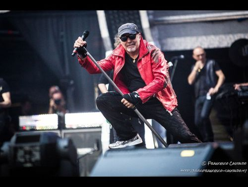 http___www.rockol.it_img_foto_upload_vascorossi194[1]