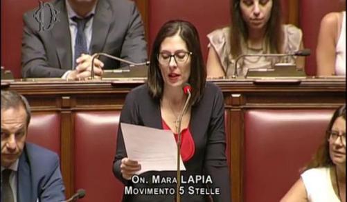 000513A9-la-deputata-m5s-mara-lapia.jpg