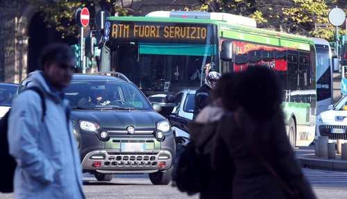 sciopero trasporti milano ansa-2.jpg