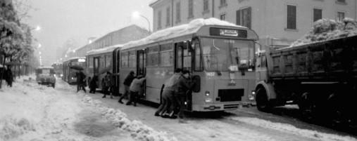 la-grande-nevicata-del-1985-quella-cantata-dai-bluvertigo-compie-trentanni_a86f4592-9be3-11e4-b09c-dd0b12ce6a31_998_397_original.jpg