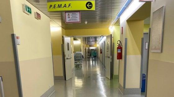 Coronavirus, il pronto soccorso di Bergamo vuoto…………