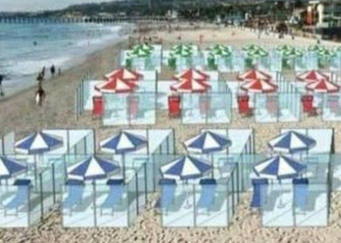 """""""In spiaggia con le barriere di plexiglass?…"""