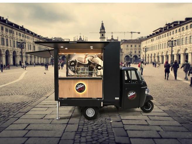 Si spengono i motori dell'Ape Car di caffè Vergnano: dubbi sullalicenza
