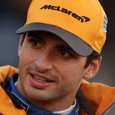 Ferrari, è ufficiale la firma di CarlosSainz.