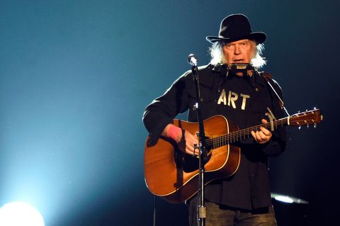 singer-neil-young-performs-onstage-at-the-25th-anniversary-news-photo-462897678-1541078154