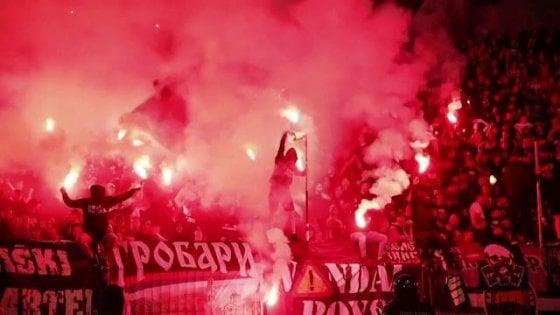 Serbia, niente mascherine odistanziamento: