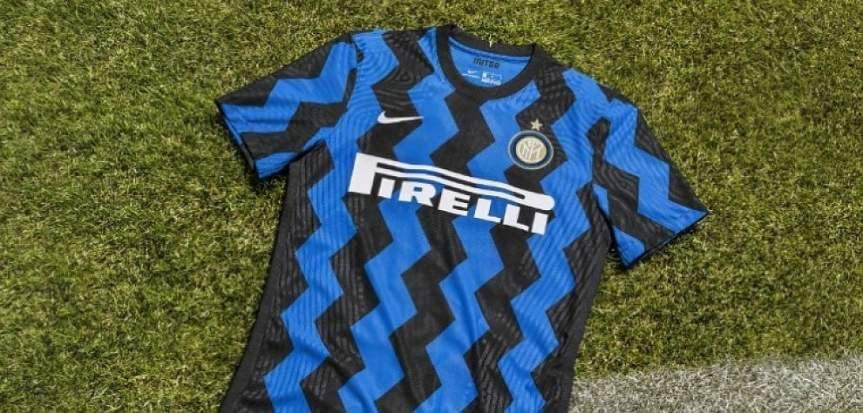 Un omaggio a Milano: l'Inter presenta la nuovamaglia