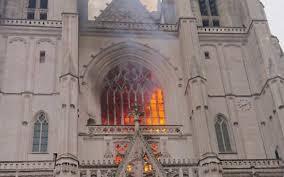 Francia, incendio nella cattedrale diNantes