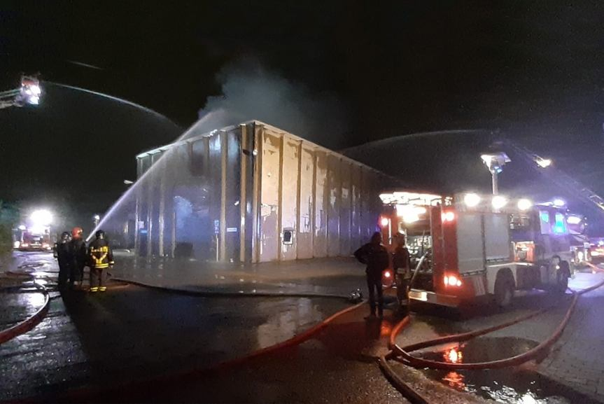 Settimo Milanese. Incendio in capannone di via Flaming aSeguro