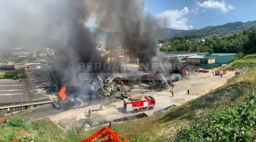 incendio-in-un-azienda-tessile-di-legge-680749.660x368