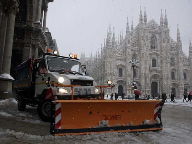 Meteo Milano, neve in arrivo lunedì: scatta il piano delComune
