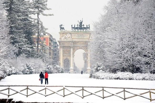 Maltempo, Milano si sveglia sotto laneve