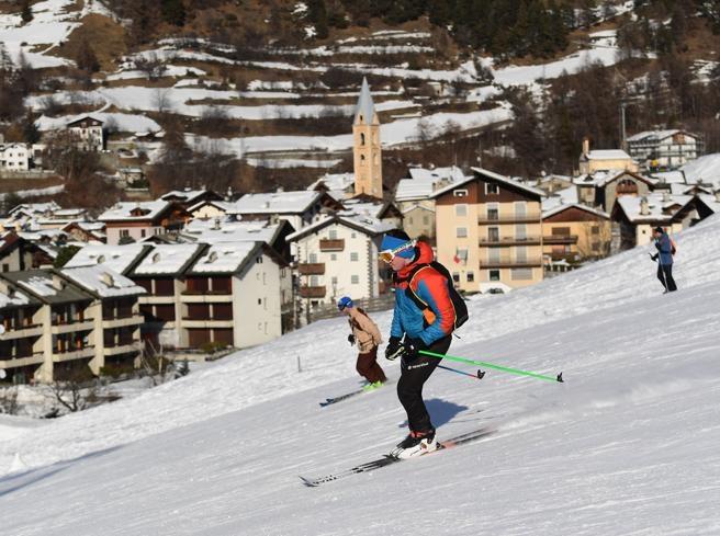 Nuovo alt allo sci, ira degli operatori: «Era tutto pronto: noi presi ingiro»