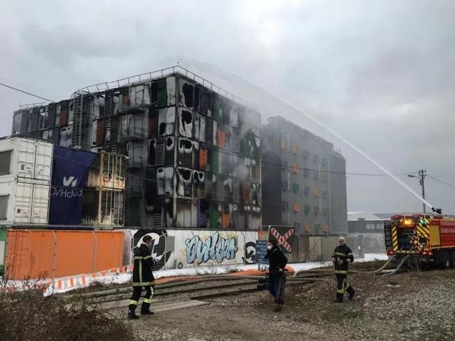 Strasburgo, incendio in un datacenter dell'azienda di server Ovh: centinaia di sitidown