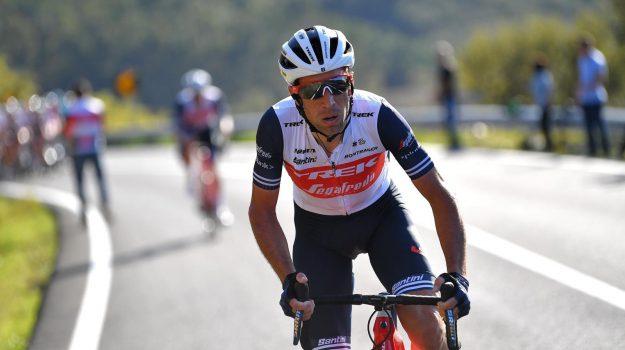 Ciclismo: frattura al polso per Nibali, Giro arischio