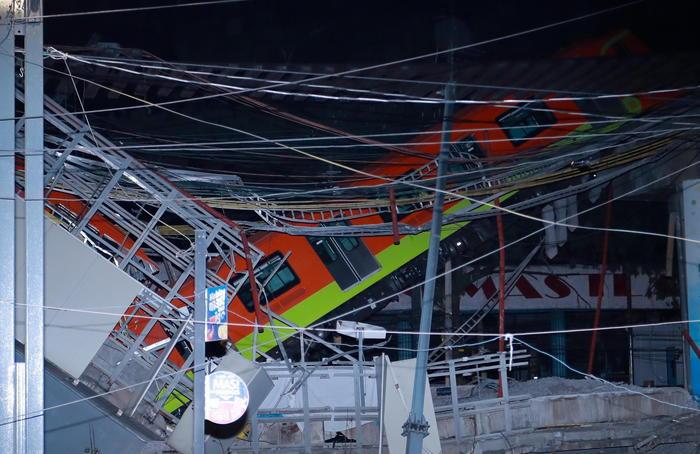 Crollo ponte metro Città del Messico, 20 morti e 70feriti