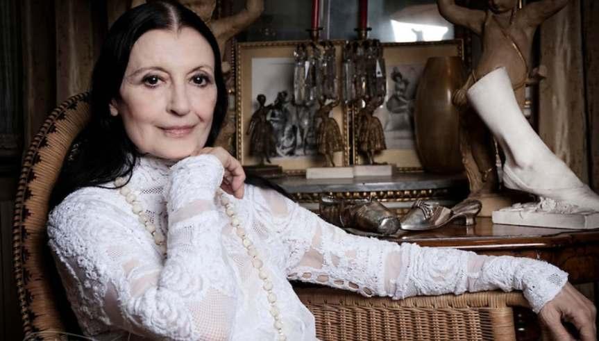 L'addio a Carla Fracci: la camera ardente alla Scala diMilano