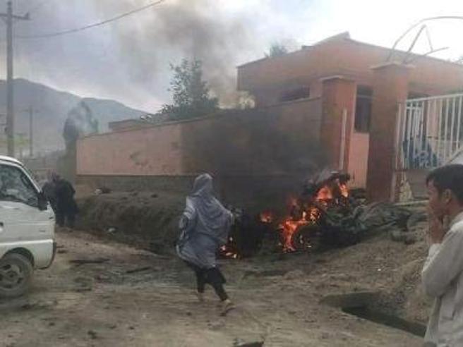 Afghanistan, bomba alla scuola femminile: almeno 40morti