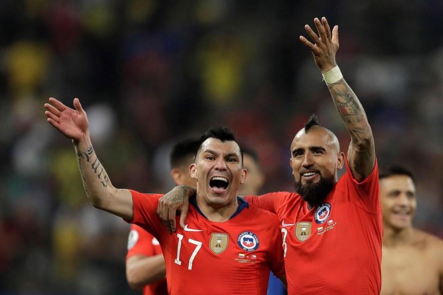 Coppa America, festino a luci rosse. Bufera sul Cile, coinvolto ancheVidal
