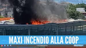 Incendio alla Coop di Ponte a Greve: clienti e personaleevacuati