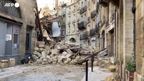 Francia-crollano-due-palazzine-del-centro-di-Bordeaux-3-feriti