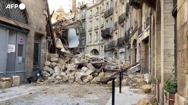 Francia, crollano due edifici a Bordeaux: tre feriti, uno ègrave