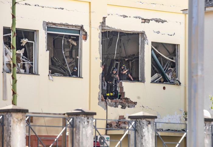 Esplosione in Commissariato di polizia a Castellammare diStabia